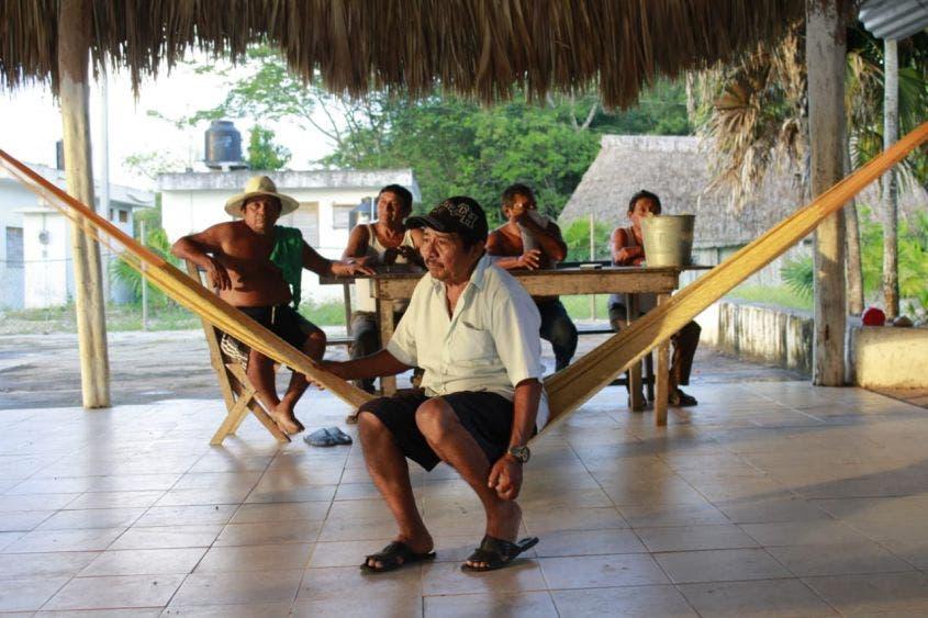 Dignatarios mayas retienen a funcionarios de Inmaya.