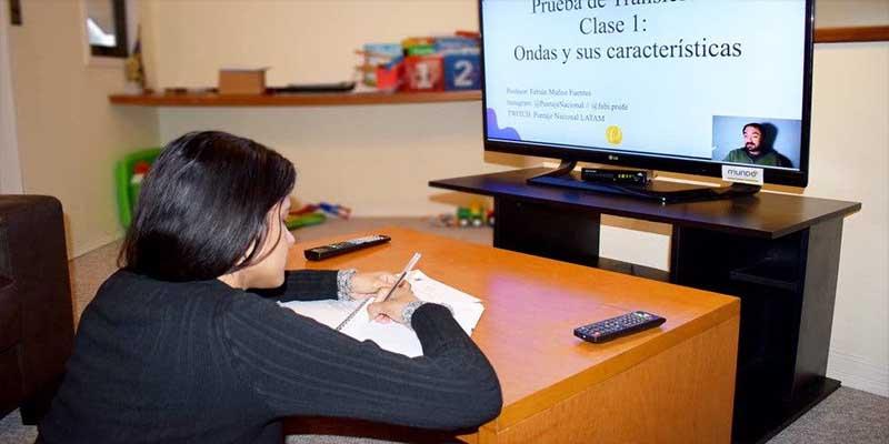 Maestros y conductores educarán por televisión: Esteban Moctezuma