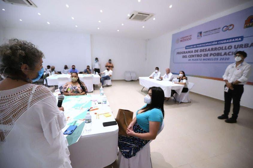 Ciudadania Laura Fernández el desarrollo de Puerto Morelos, al organizar el el primer Taller de Participación Ciudadana para este fin