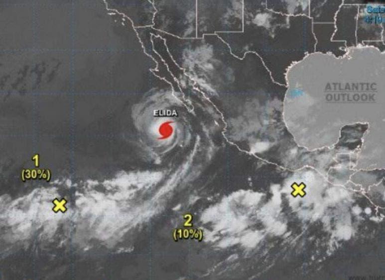 "Huracán ""Elida"" provoca olas de tres metros de altura"