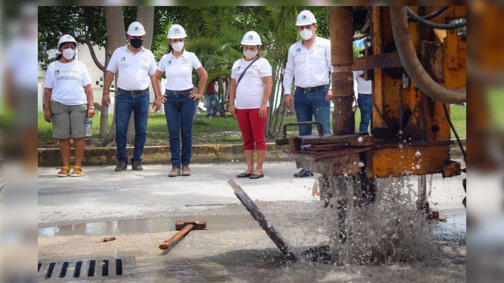 Laura Fernández pone en marcha programa de mantenimiento de pozos de absorción