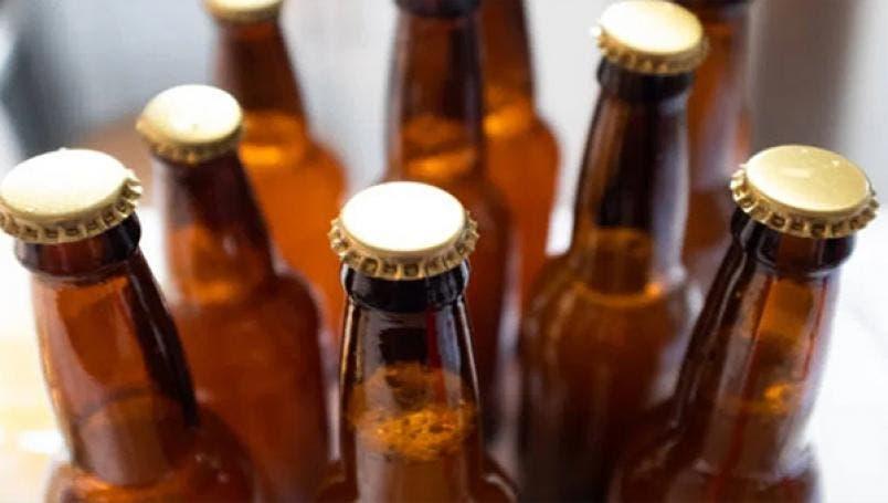 Rechazan comerciantes de cerveza el aumento que contempla el Senado.
