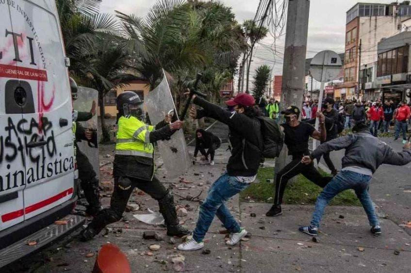 Protestas en Bogotá dejan 7 muertos y 140 heridos