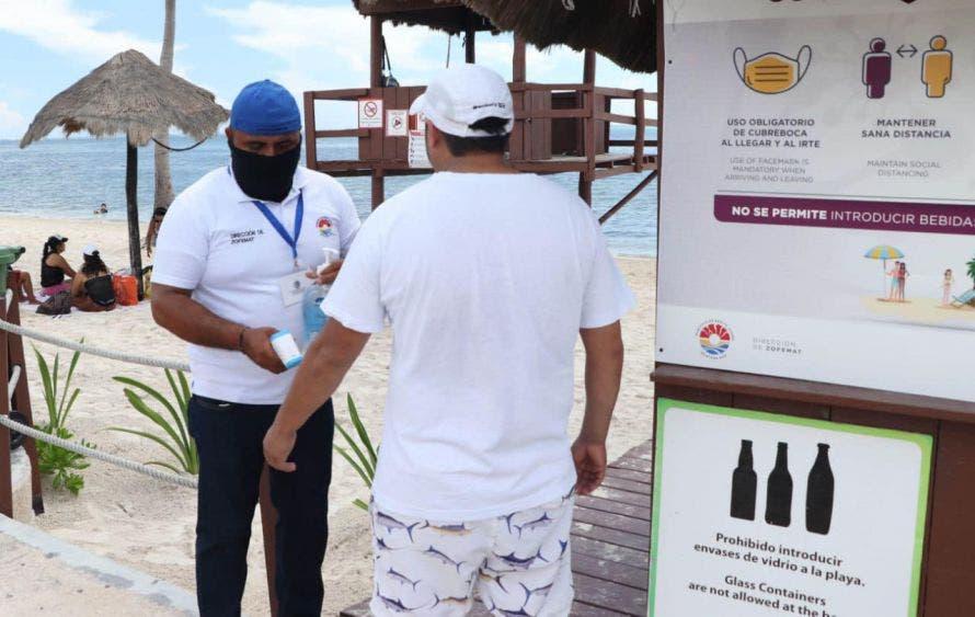 Se da cumplimiento a todas las recomendaciones sanitarias para poder visitar las playas del destino.
