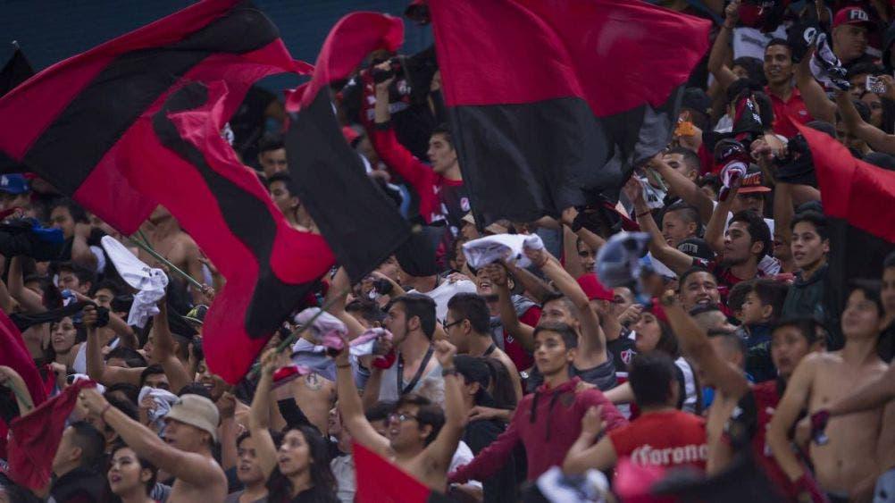 Afición regresaría a las tribunas en Clásico del futbol mexicano