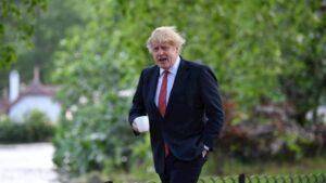 Piden a Boris Johnson adoptar medidas adicionales para frenar segunda ola de contagios Covid-19