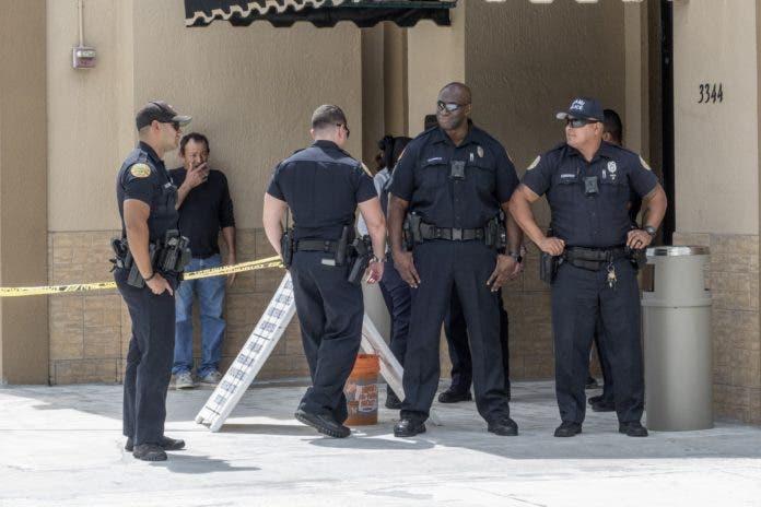 Investigan muerte de mexicano por disparo de policía estadounidense.