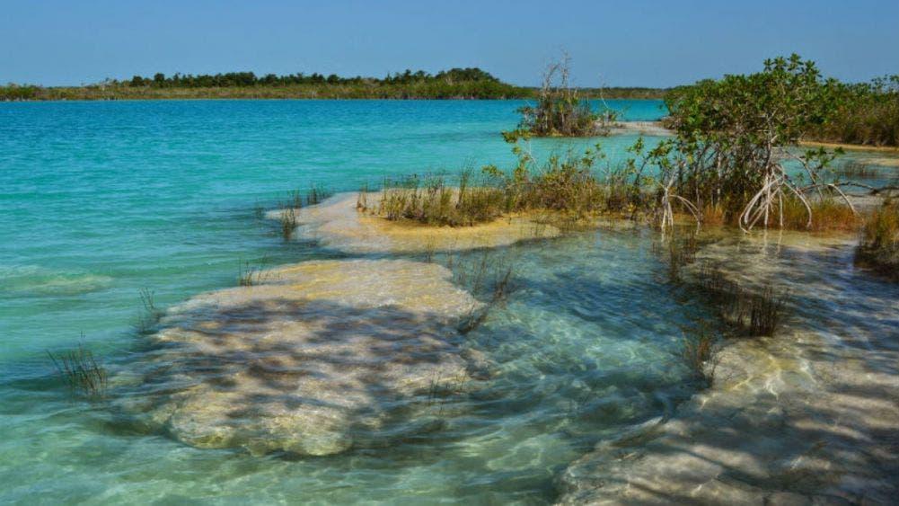 Faltan recursos en el Ayuntamiento de Bacalar para vigilar la Laguna