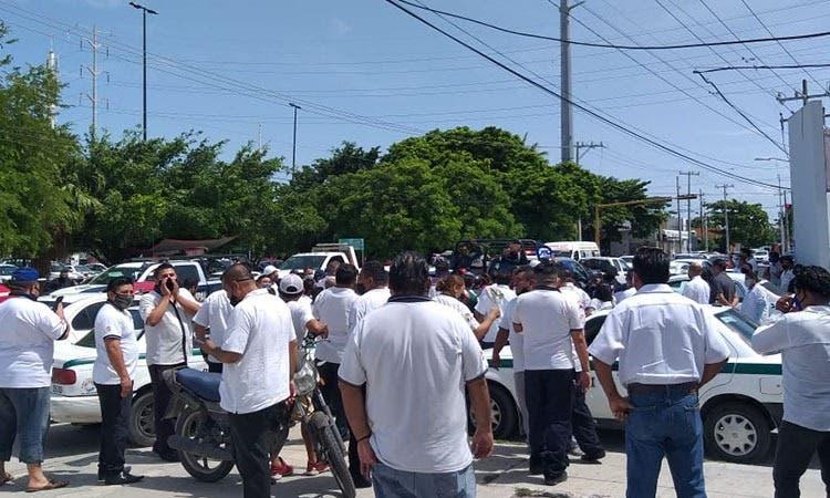 Hacen tregua transportistas de Cancún