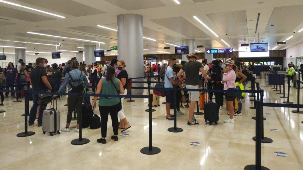 Destaca Torruco recuperación turística de Cancún