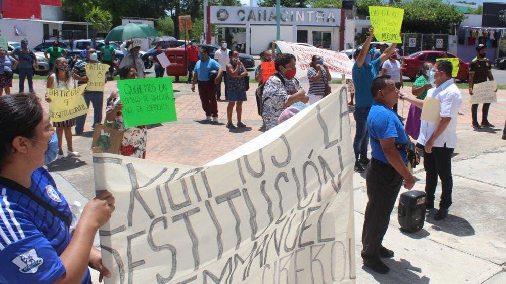 Vendedores Ambulantes exigen destitución de Emanuel Magaña
