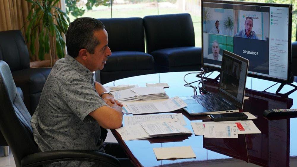 """Carlos Joaquín escucha a la gente al reiniciar audiencias """"Platícale al Gobernador"""" versión digital"""
