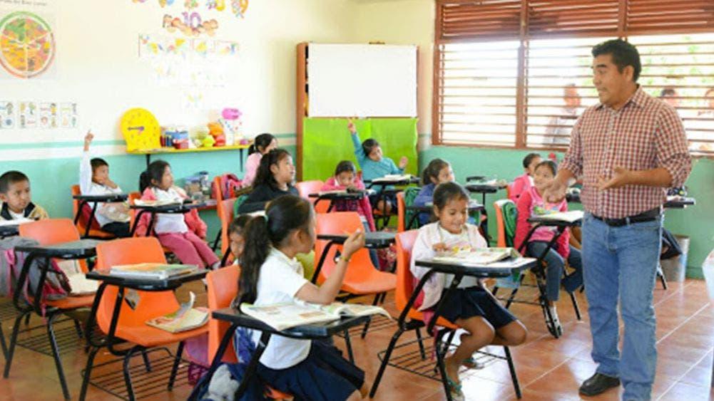 Acuerdan en Quintana Roo regreso a clases presenciales con semáforo verde