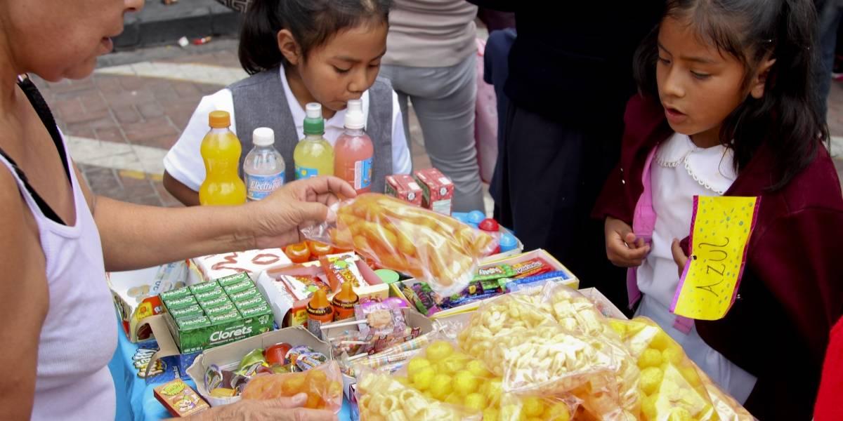 Entra en Oaxaca la ley que prohíbe venta de comida chatarra a menores
