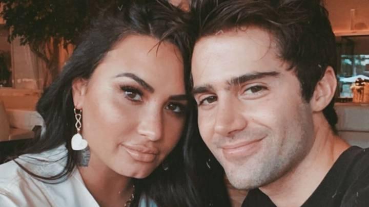 Max Ehrich se enteró de su truene con Demi Lovato por los medios