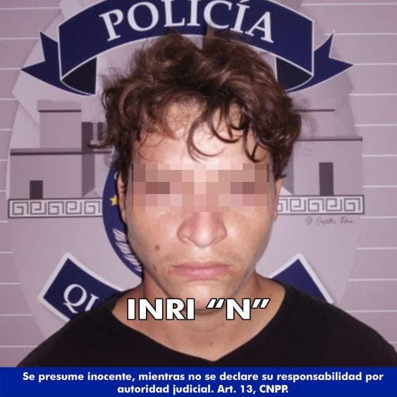 """Detienen a pistolero en colonia InHouse de Playa del Carmen; a Inri """"N"""" le fue asegurada un arma de fuego y 14 cartuchos de grueso calibre."""