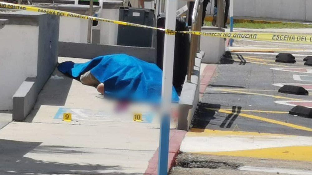 Ejecutan a individuo de 15 disparos en aeropuerto de Chetumal