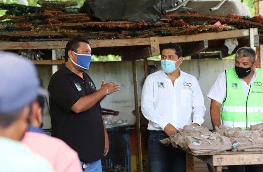 Los secretarios Ignacio Sánchez y Antonio Velázquez, de Desarrollo Social y de Obras y Servicios Públicos, respectivamente, cumplen este compromiso