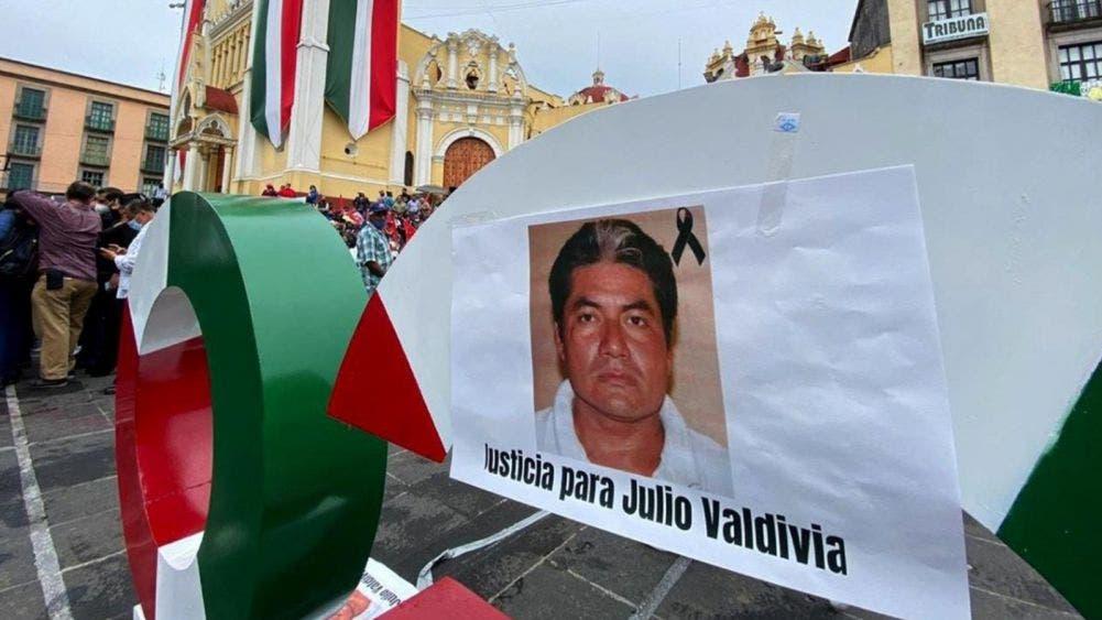 Salen a las calles para exigir justicia por el asesinato del periodista Julio Valdivia