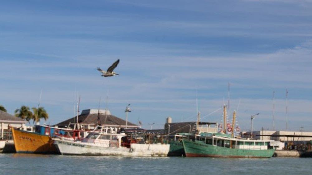 Harán pruebas de Covid a tripulación tras muerte de pescador