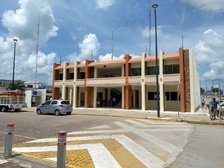 Empleados del Ayuntamiento de FCP retornan a sus centros de trabajo.