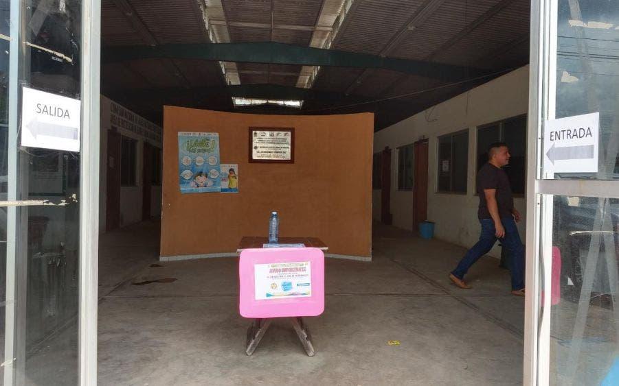 Jornadas de desinfección en oficinas municipales de JMM; protegen a trabajadores tras el regreso presenciales a sus labores.