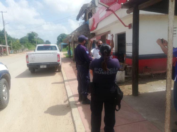 Sancionan a dos policías en Kantunilkín por emborracharse en servicio.