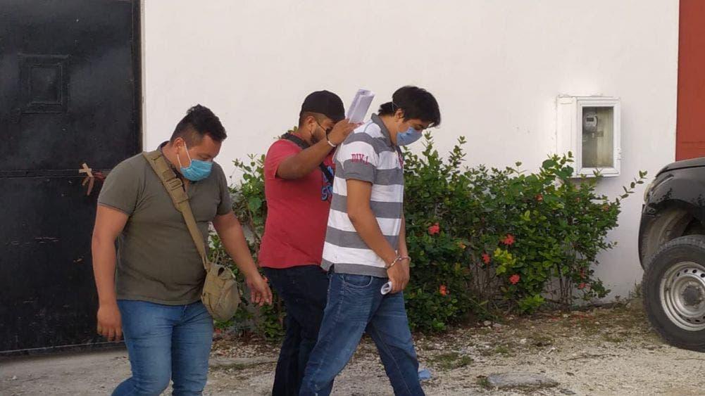 En Cozumel detienen al 'Tata' por lesiones con arma de fuego.