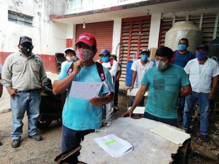 Trabajadores sindicalizados exigen convocatoria para renovar dirigencia; secretario se escuda en la pandemia para seguir ostentando el poder.