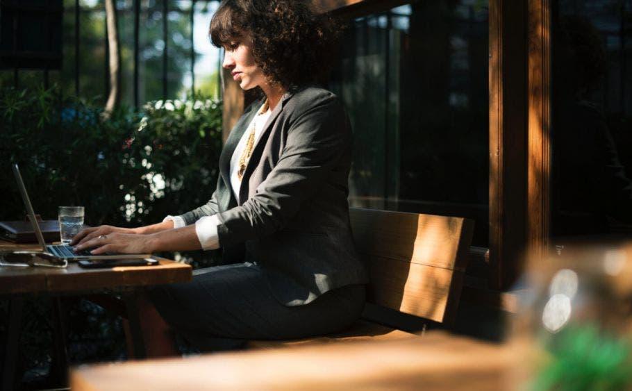 Pega más en las mujeres la crisis laboral por el Covid.