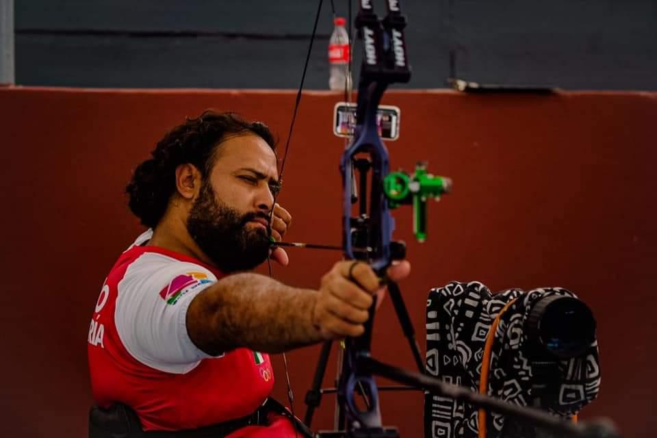 Paralímpico quintanarroense finalista en torneo online de tiro con arco; Omar Echeverría enfrentará al canadiense Rob Rox.