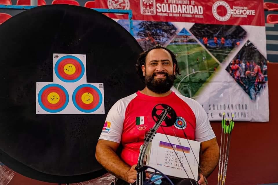 Paralímpico quintanarroense finalista en torneo online de tiro con arco.