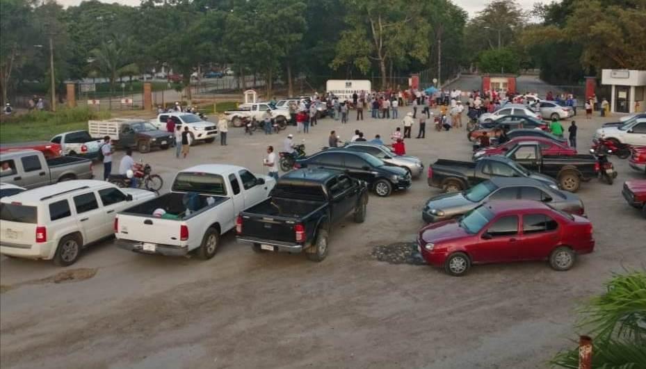 Cañeros de Quintana Roo toman ingenio San Rafael de Pucté.