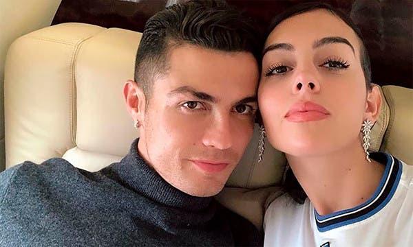 Cristiano Ronaldo regala a su novia el anillo más caro del mundo