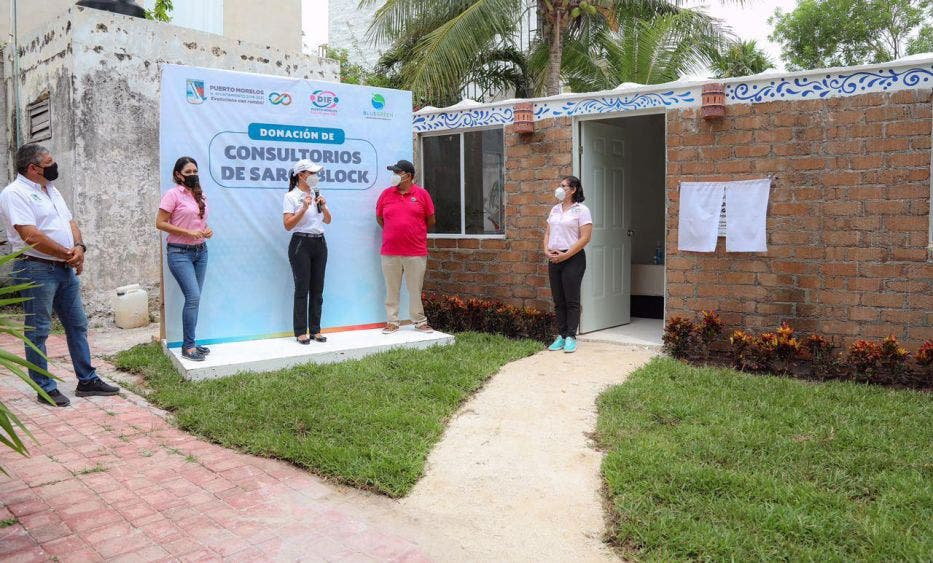"""""""En el DIF Puerto Morelos, que es el área más sensible de la administración, contamos con un extraordinario equipo humano y estamos avanzando en materia de infraestructura"""", indica"""