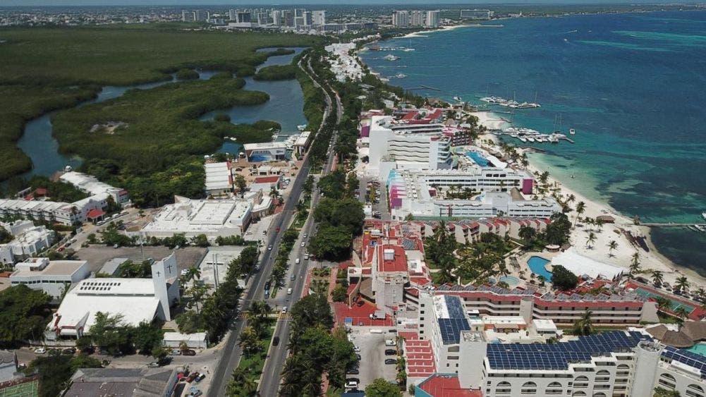 Alcanzan hoteles de Cancún ocupación del 60%.