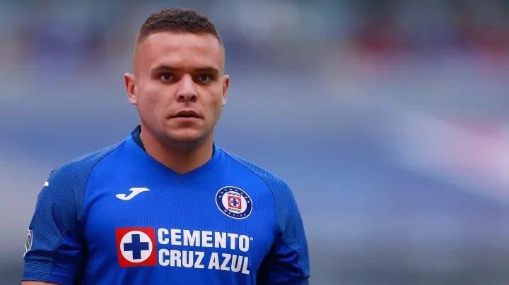 Cruz Azul revela que 'Cabecita' Rodríguez se iría en enero