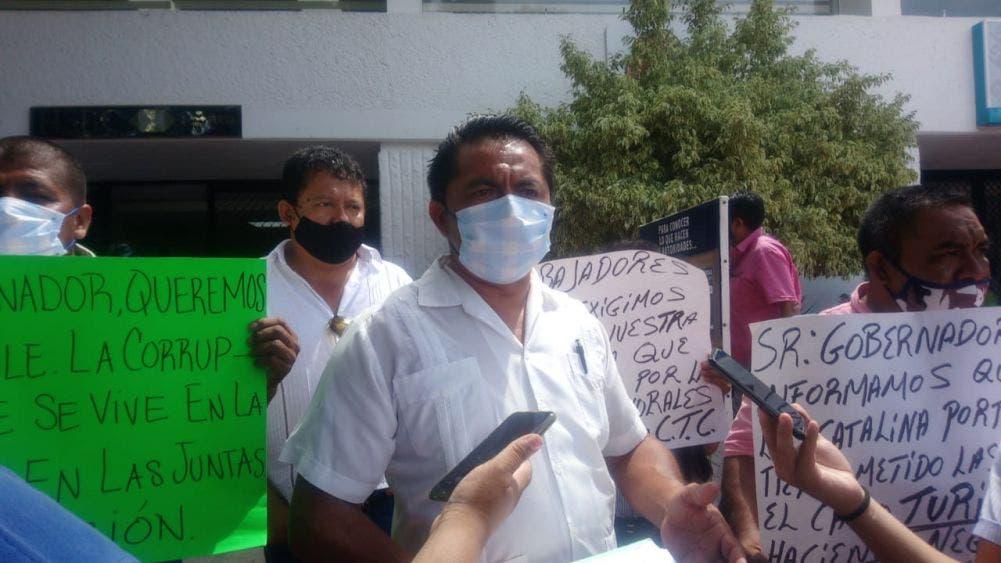 En manifestación transportistas de Turicún piden aumento salarial.