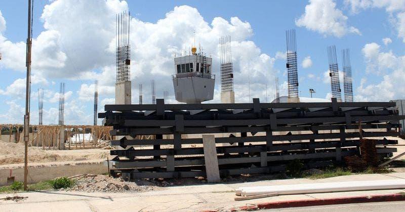 Afloran anomalías en obras del aeropuerto de Chetumal.