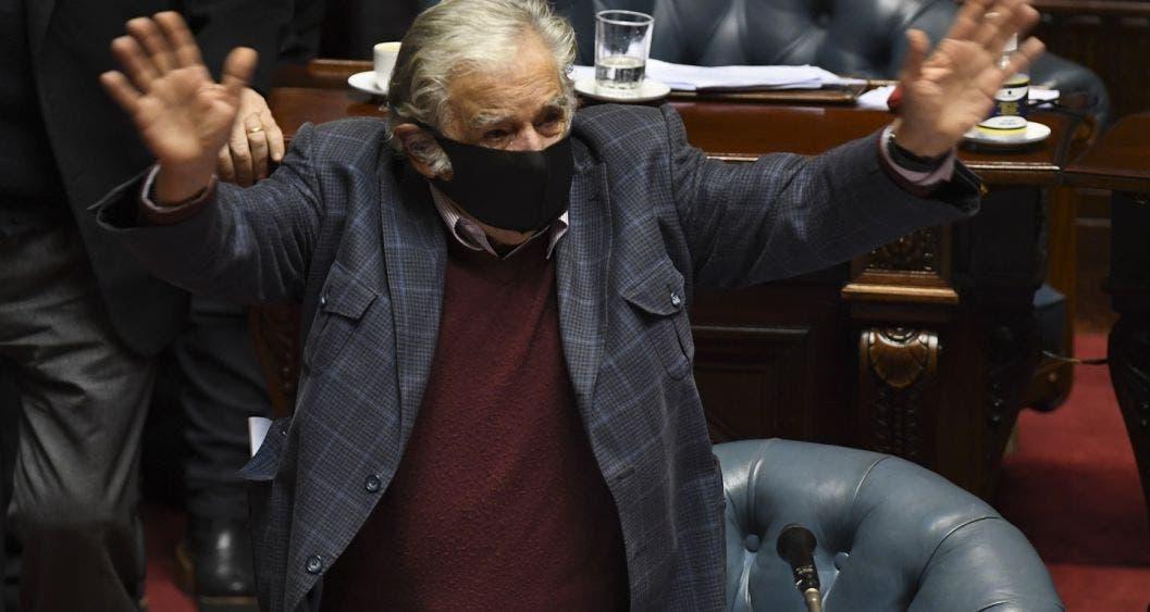 José Mujica se retira de la política activa