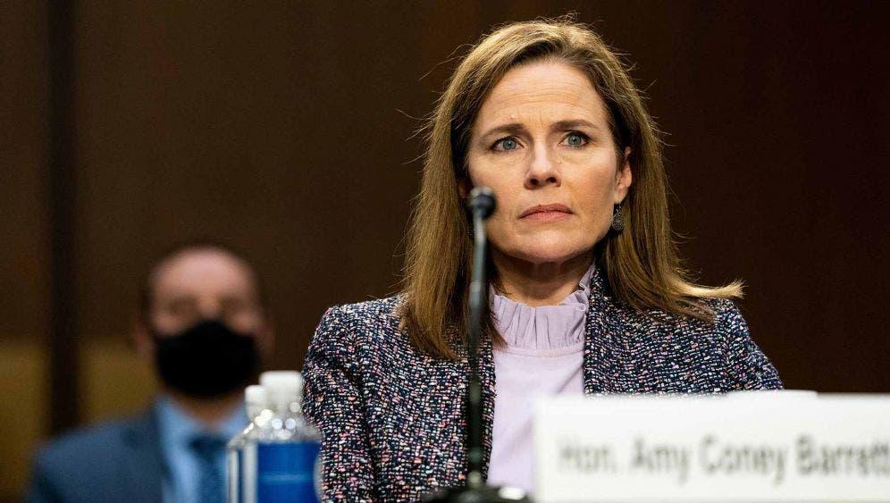 Hoy podrían confirmar a Amy Coney Barret como jueza del Tribunal en EU