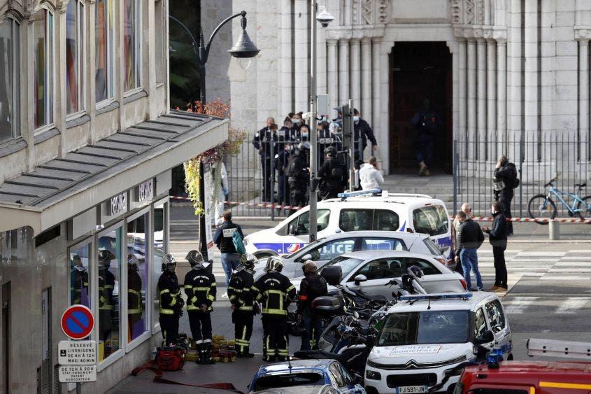 Catedral de Francia blanco de ataque terrorista; hay muertos