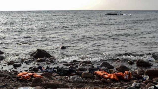 Mueren 140 migrantes al naufragar barco frente a costas de Senegal
