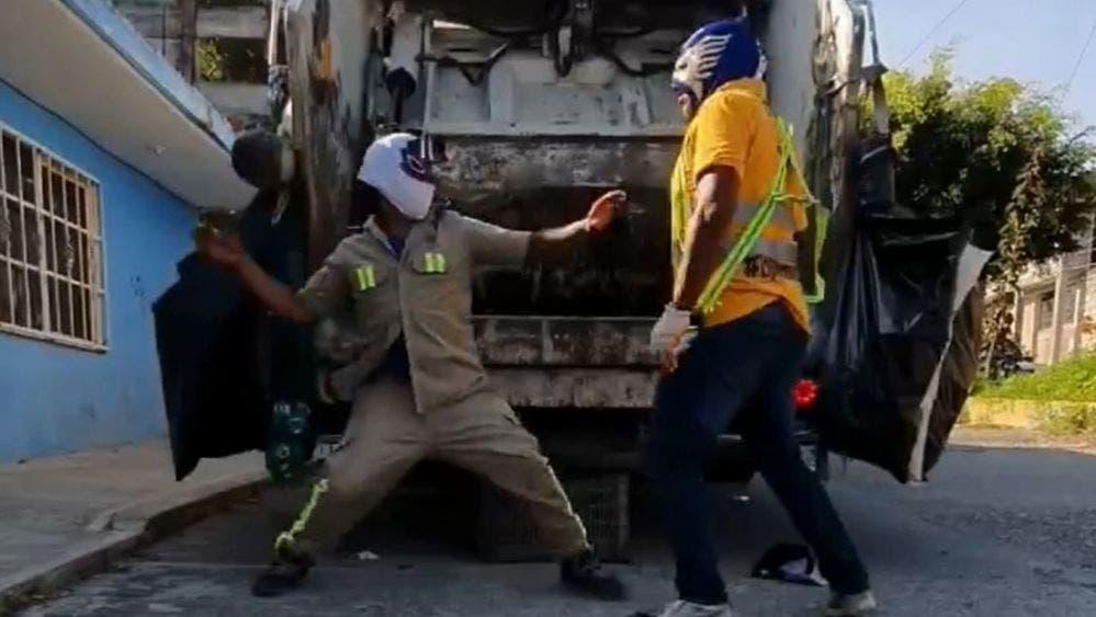 Llegan a CDMX los famosos recolectores de basura para función de AAA