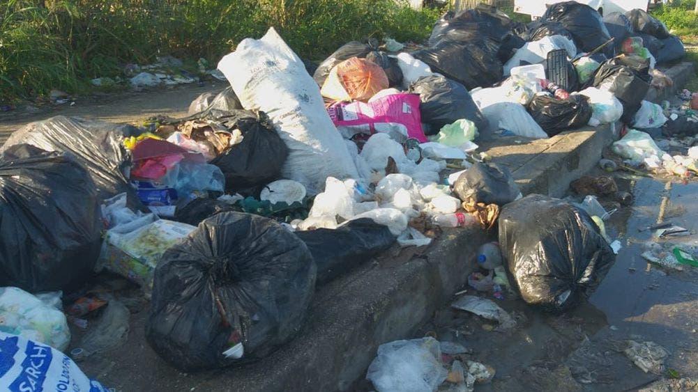 Utilizan el Mercado 28 como tiradero de basura