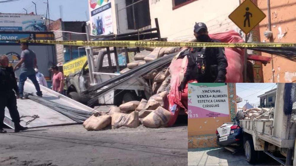 Aplasta camión de carga una patrulla en Cuernavaca