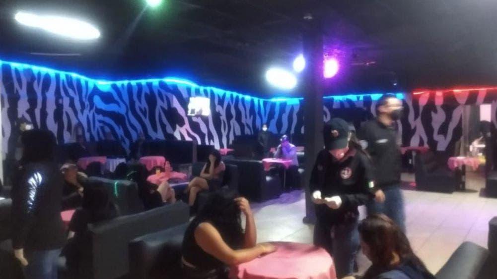 Tras cateo en dos bares de Edomex, rescatan a 21 mujeres víctimas de tratas