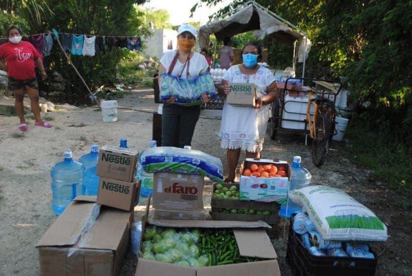 DIF Yucatán entrega 1.5 toneladas de alimentos a familias afectadas por el Huracán Delta