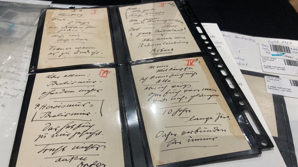 Manuscritos en los cuales se pueden apreciar los discursos del Führer