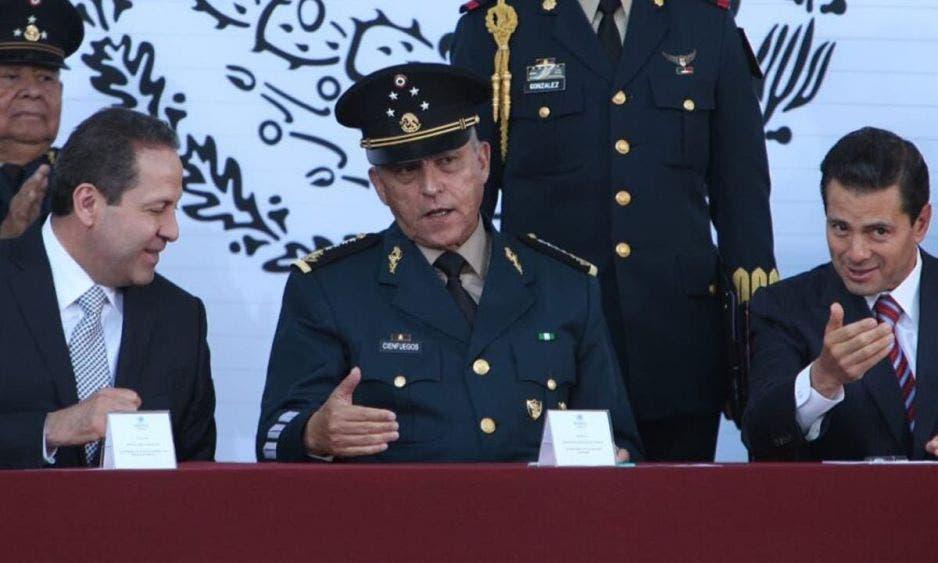 """""""Cargada"""" de priístas en defensa de """"El Padrino"""" Cienfuegos"""